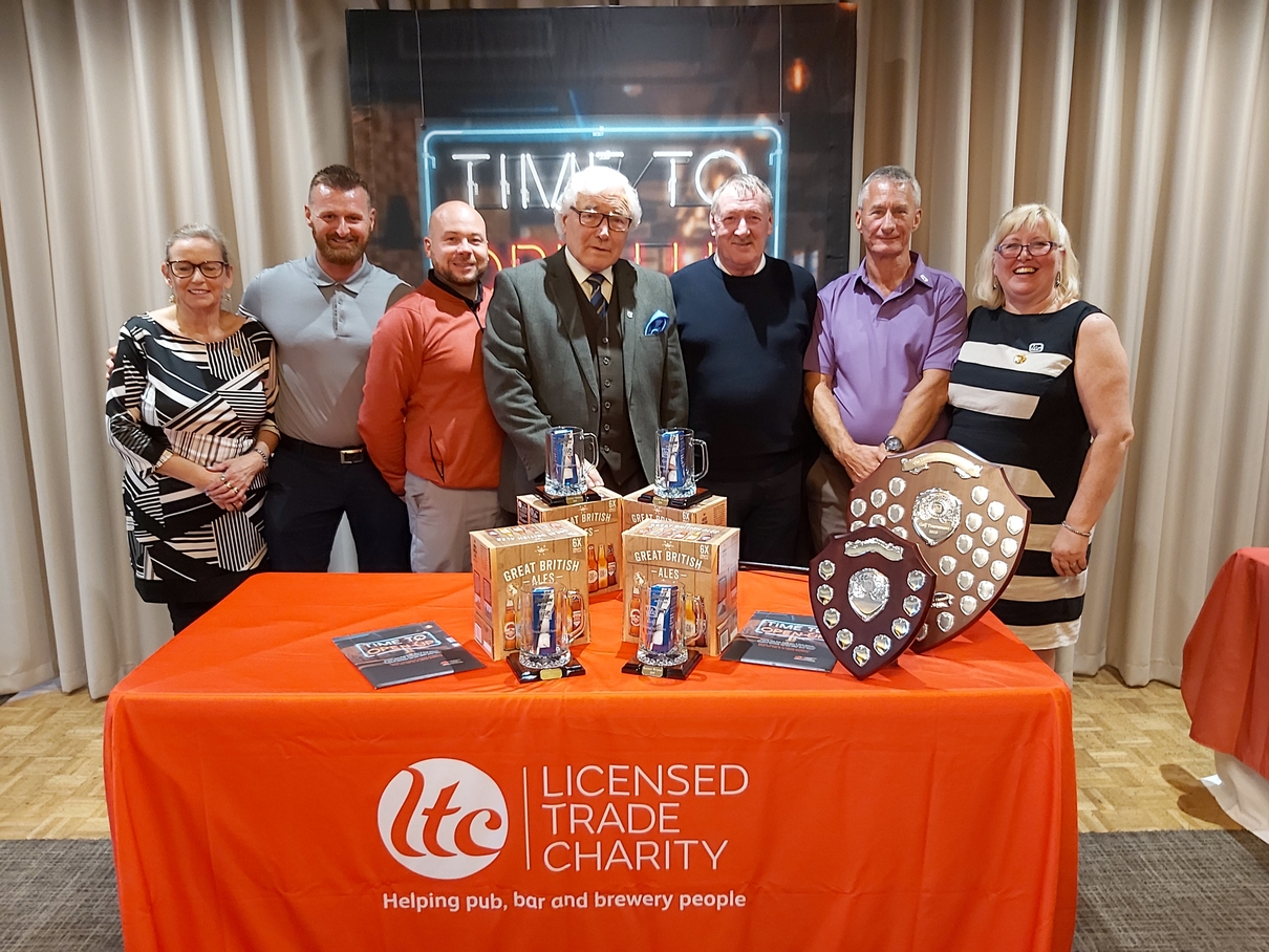 Licensed Trade Charity golf tournament winners New Street Accounting Services with sponsor Colin Hancock